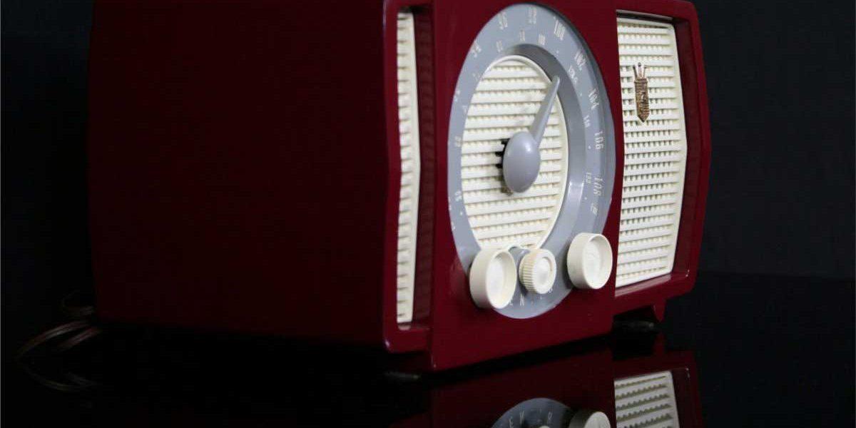 Zenith Y723 – Luxuryradios – Antique radios and Hi-Fi restoration
